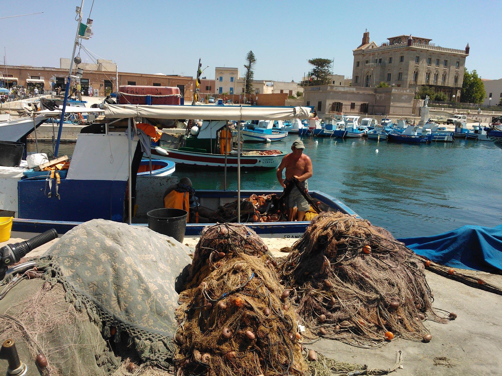 Trapani favignana harbor market fish