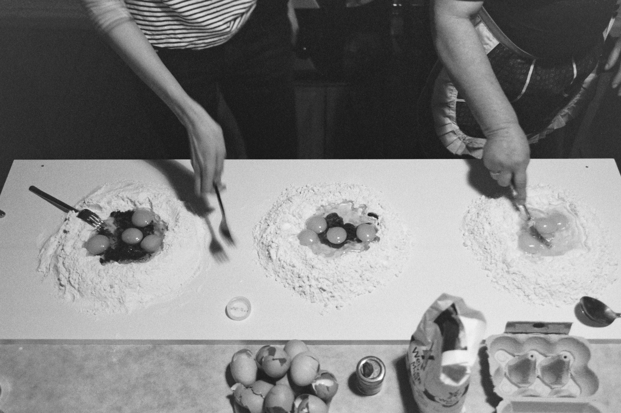 Tortelli workshop preparing doughh