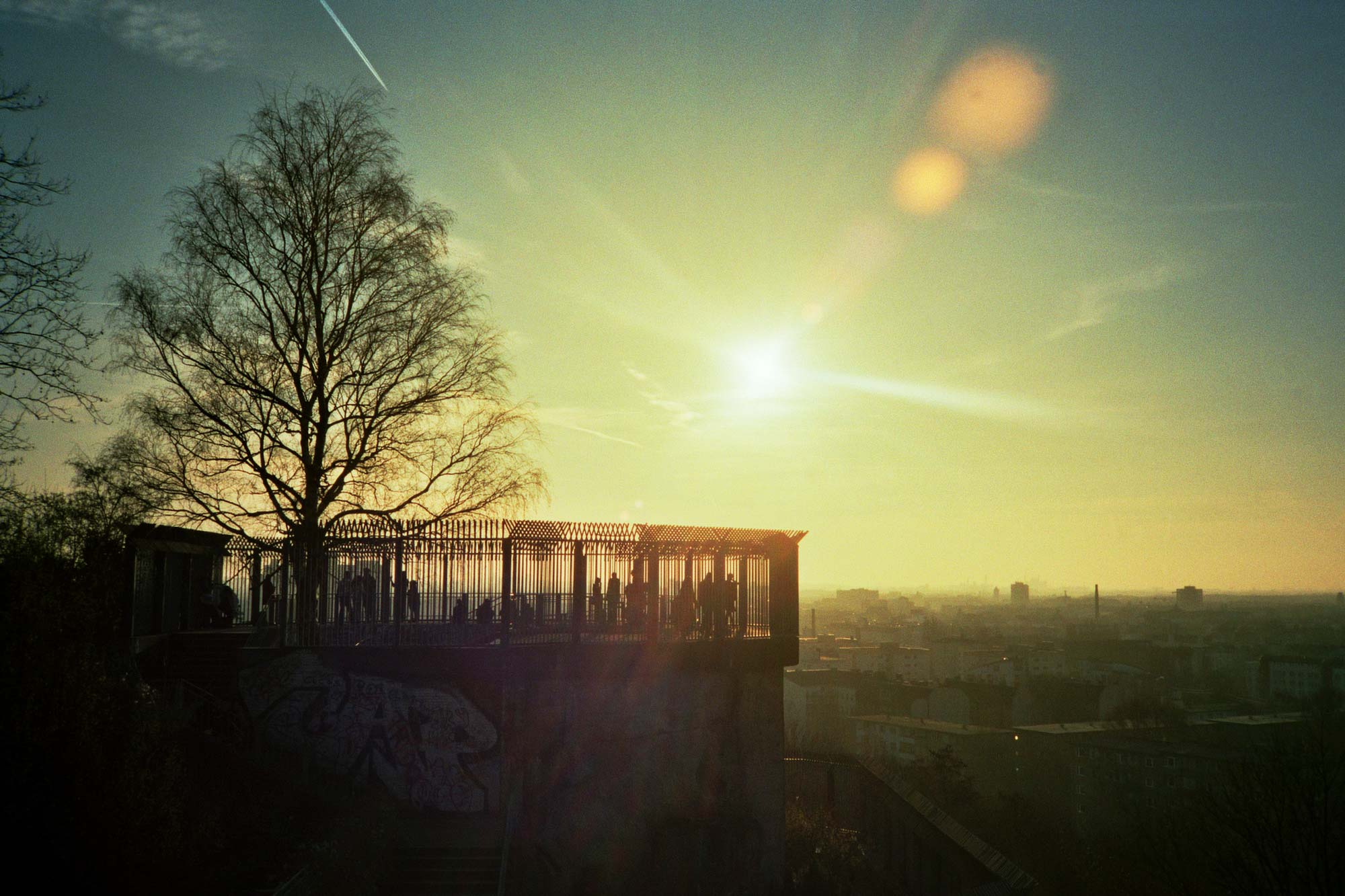 Berlin Humboldthain park sun panorama