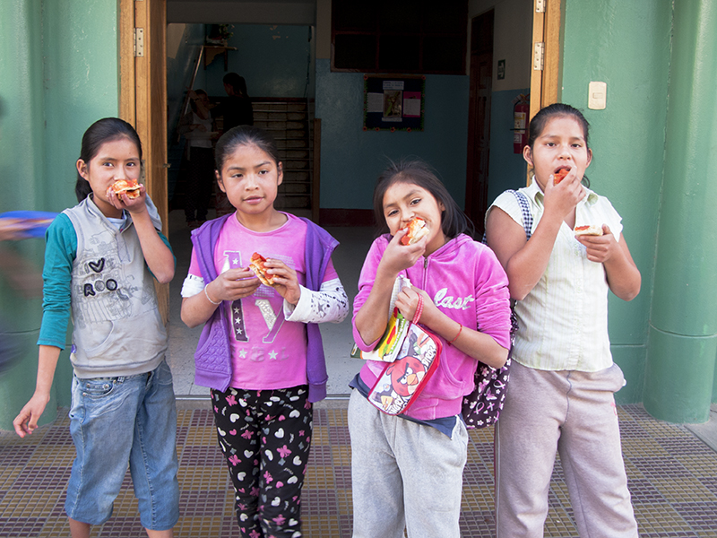 Peru Ayacucho Puericultorio volunteering pizza school girls