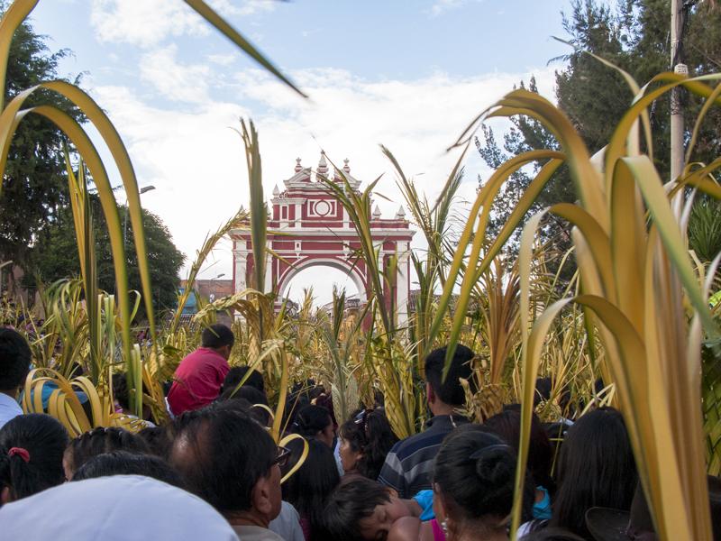 Peru Ayacucho Seman santa procession city gate