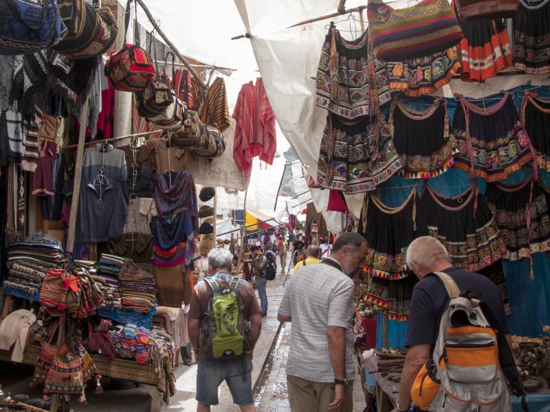 Peru cusco sacred Valley pisaq market