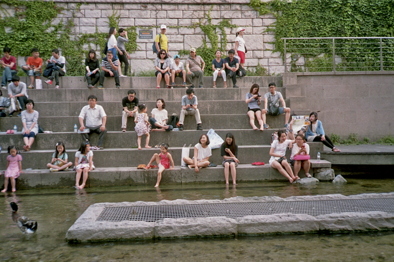 IMG_IMG_South Korea Seoul Cheonggyecheon stairs people