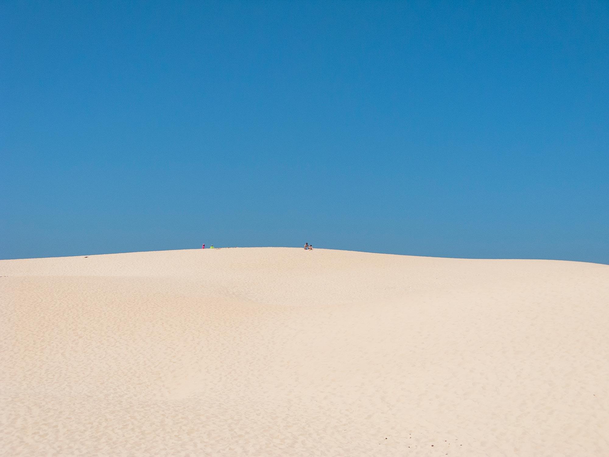 Bolonia beach dune blue