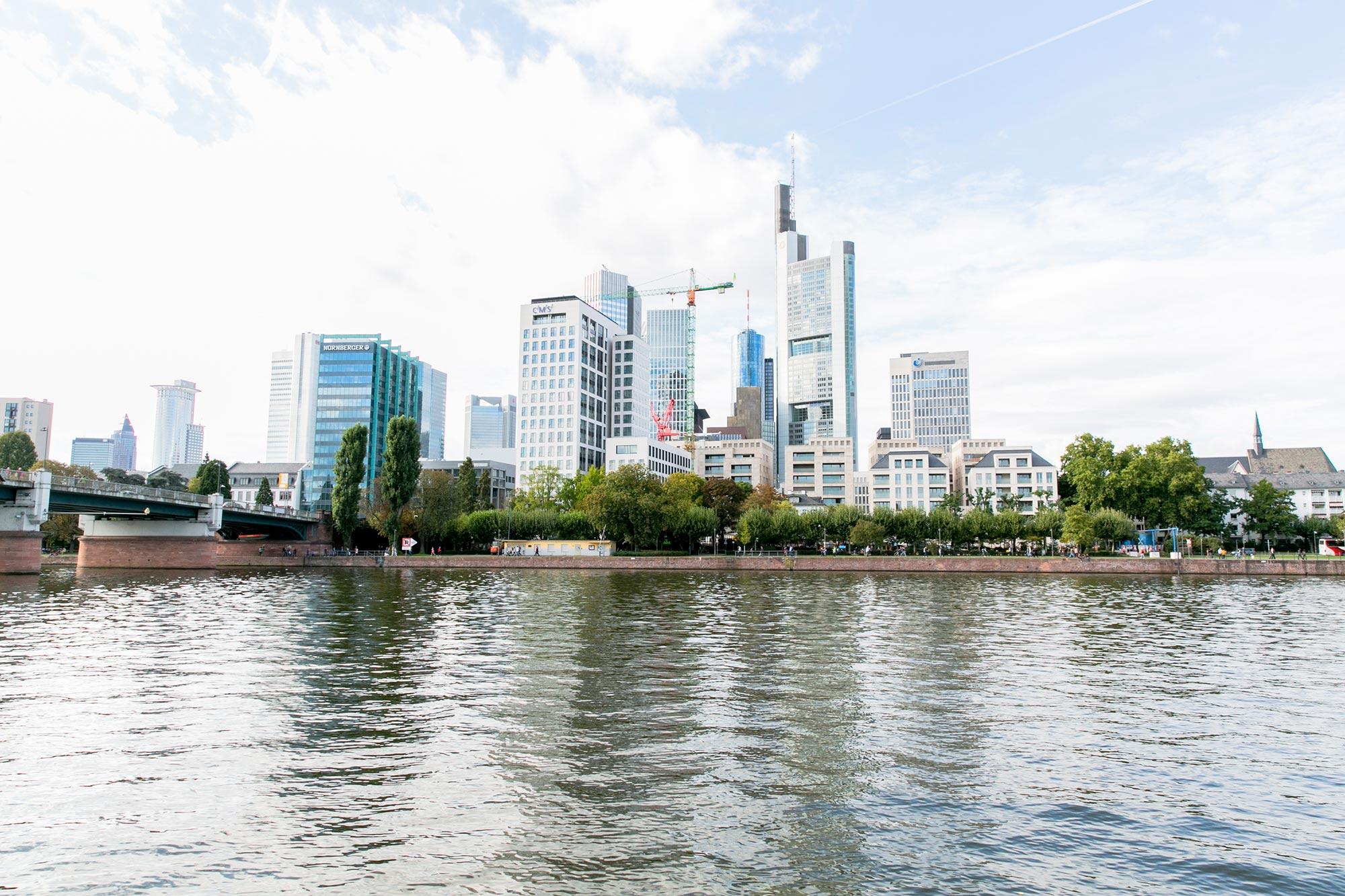 main river banks mainhattan frankfurt