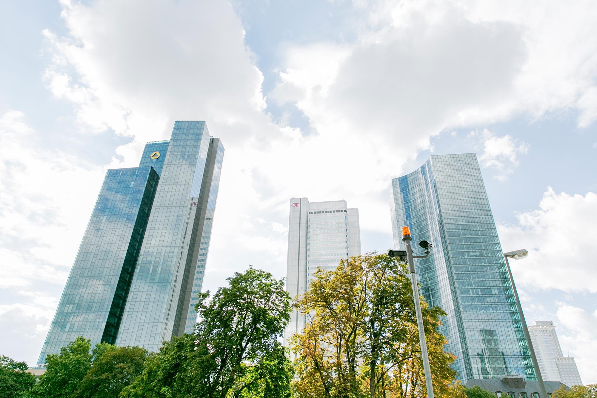 mainhattan skyscrapers frankfurt