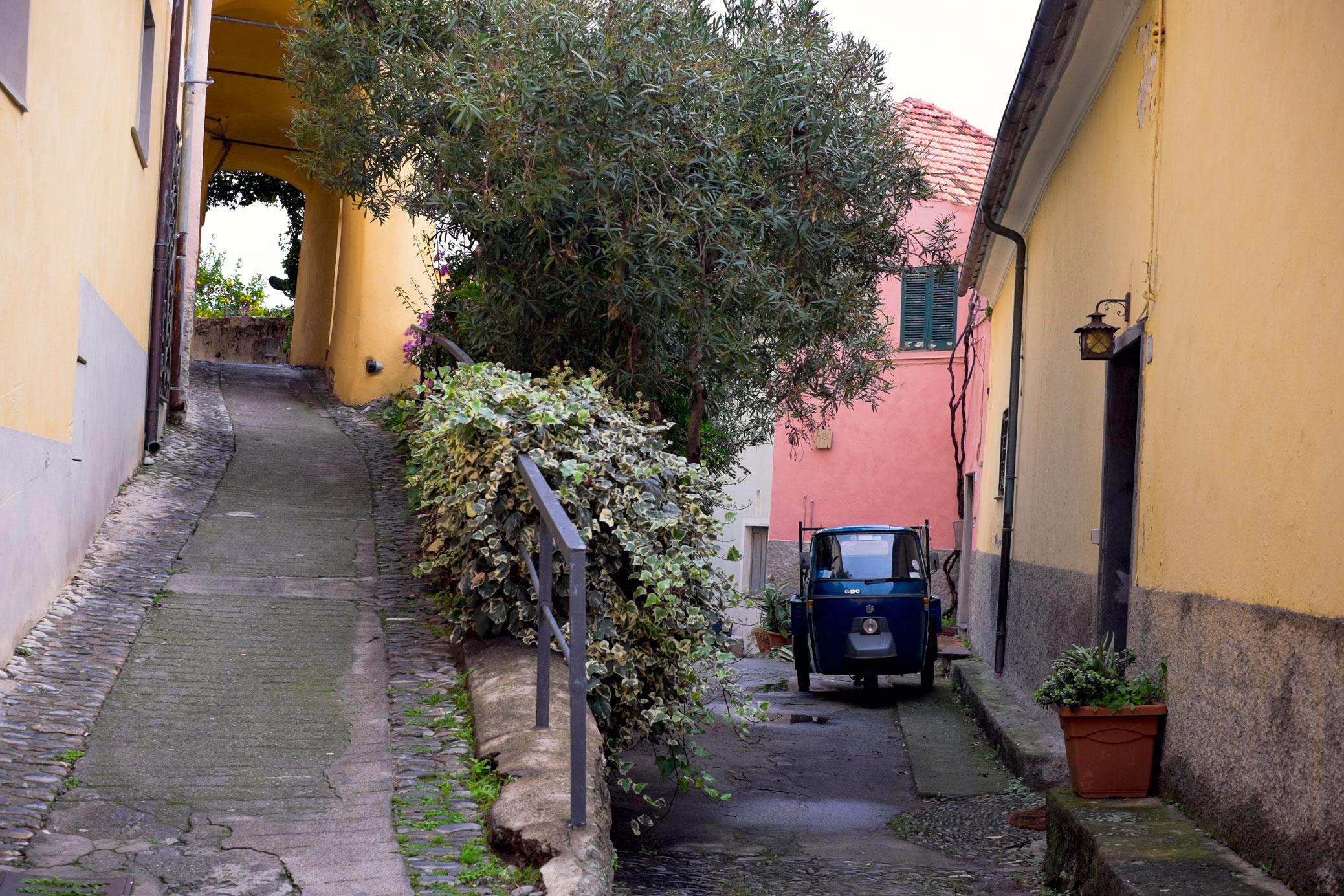 Italy Liguria Cervo ape car