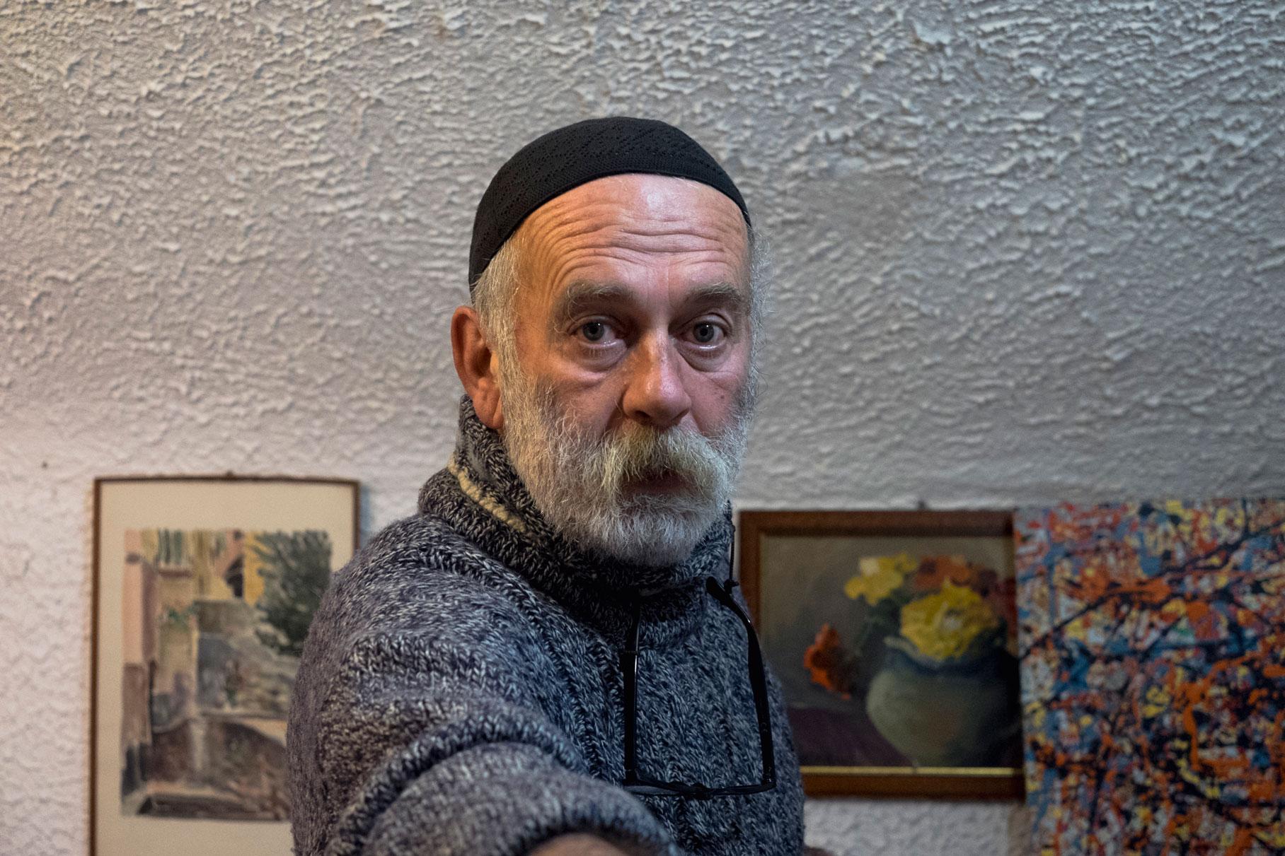 Italy Liguria Cervo portrati artist