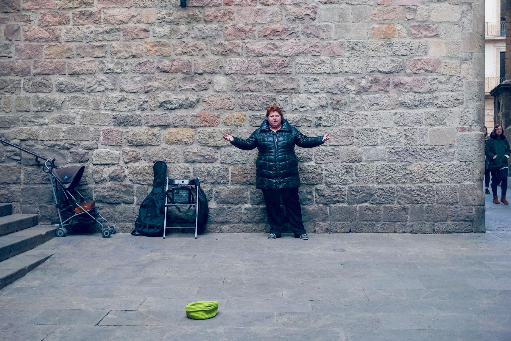 Spain Barcelona Barrio Gotico opera street artist 2