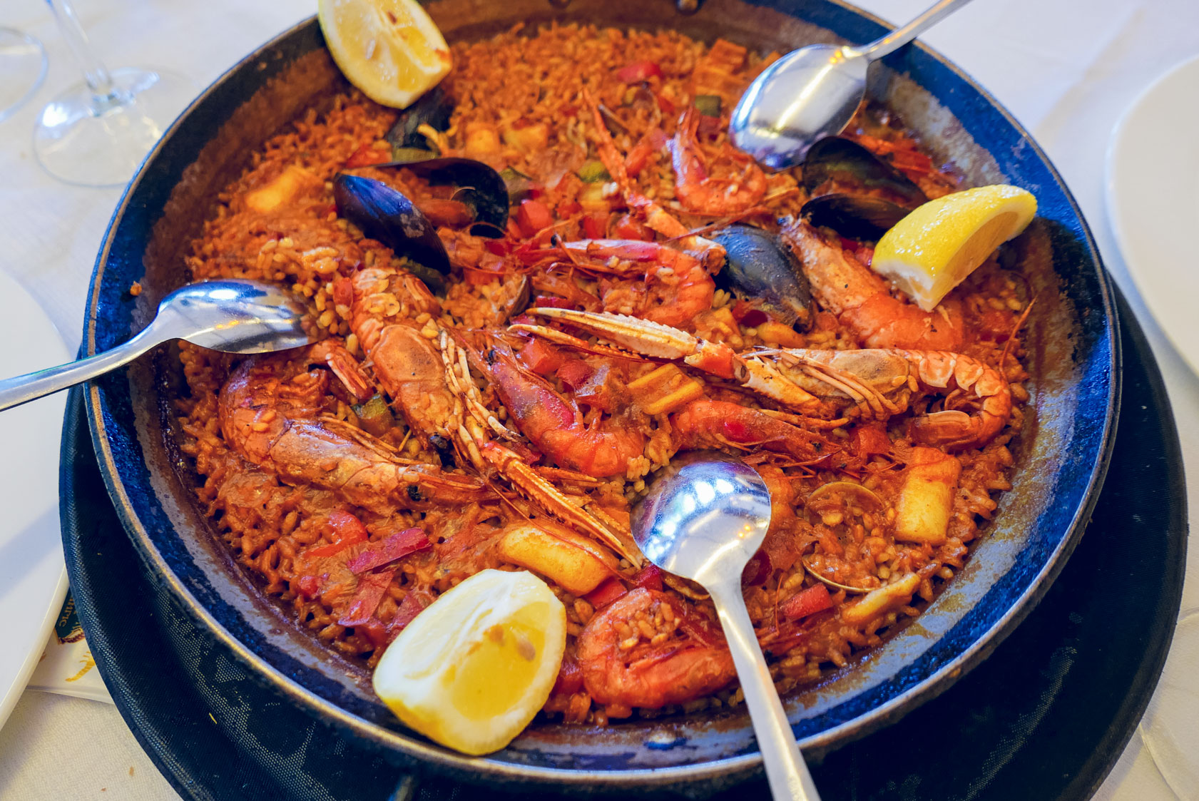 Spain Barcelona fonda del port olimpico paella top