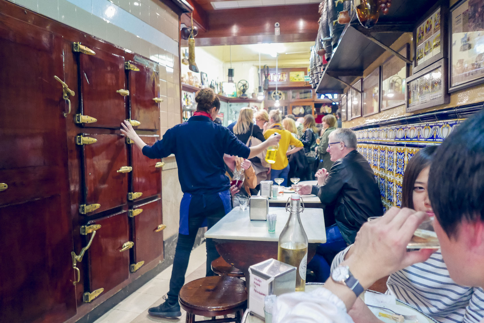 Spain Barcelona tapas bar El Xampanyet