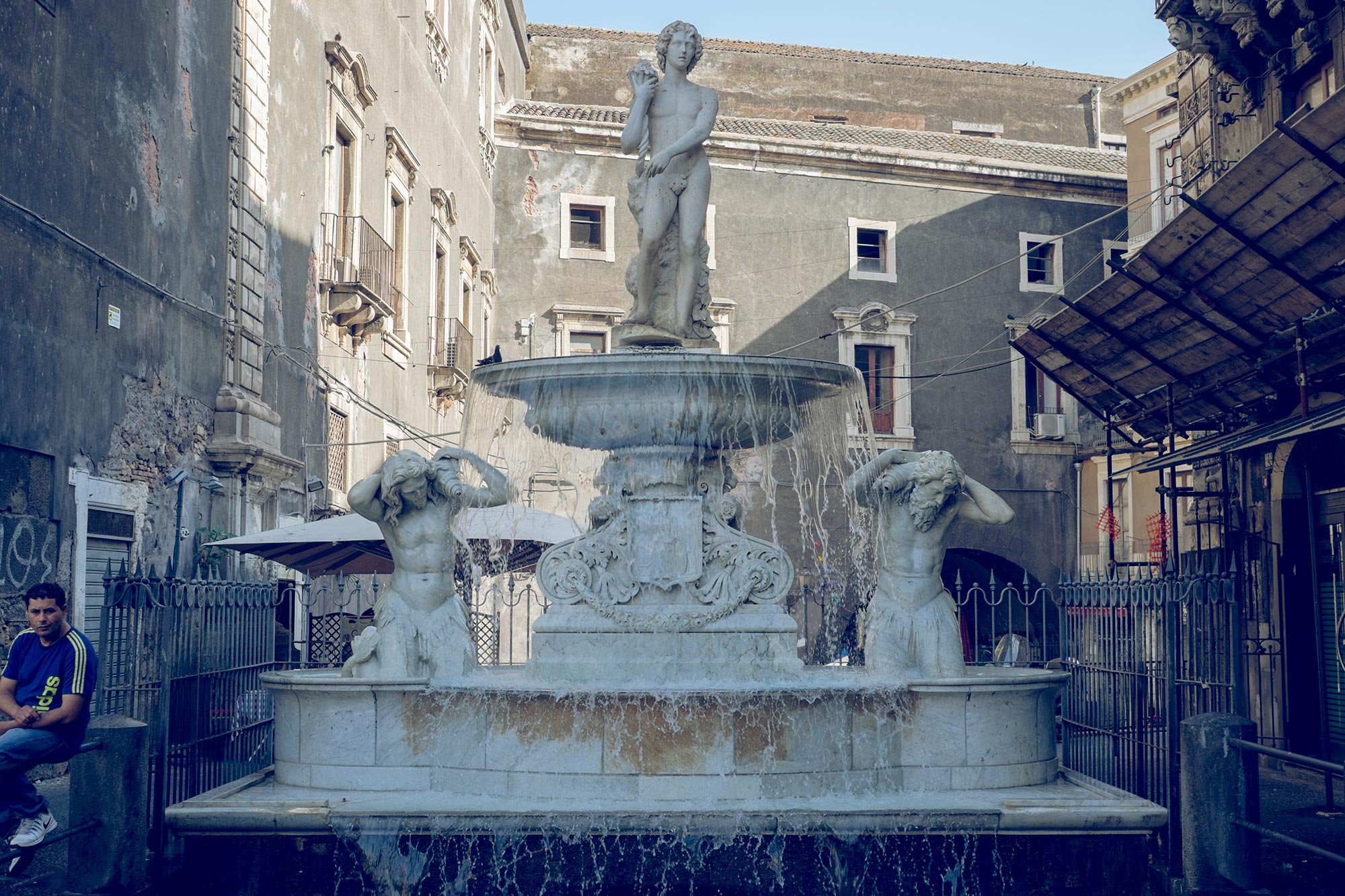 italy-sicilia-catania-fountain