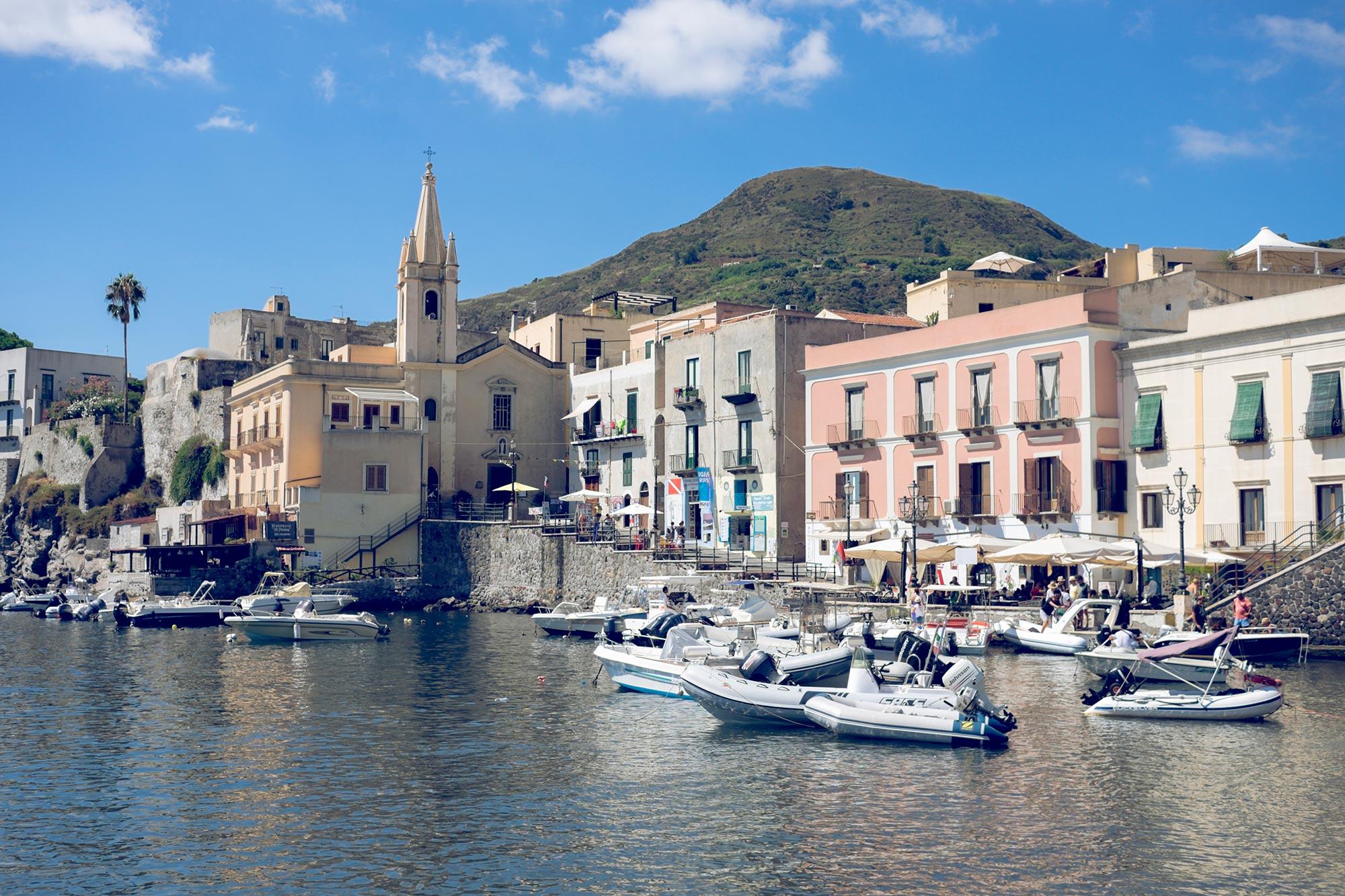 italy-sicilia-eolie-italy-sicilia-eolie-lipari-marina-corta-church