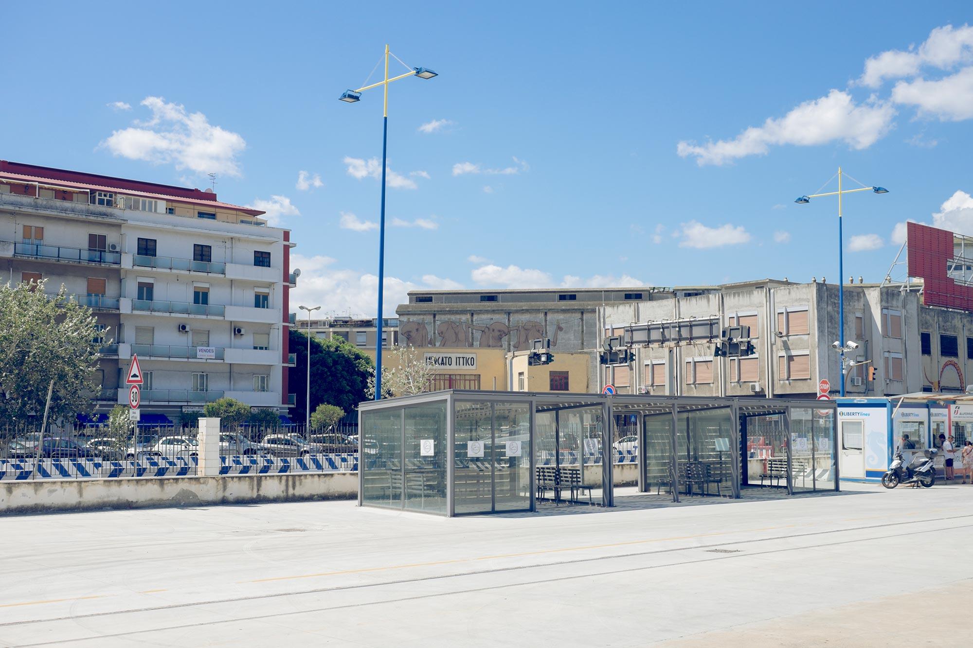 italy-sicilia-eolie-messina-porto
