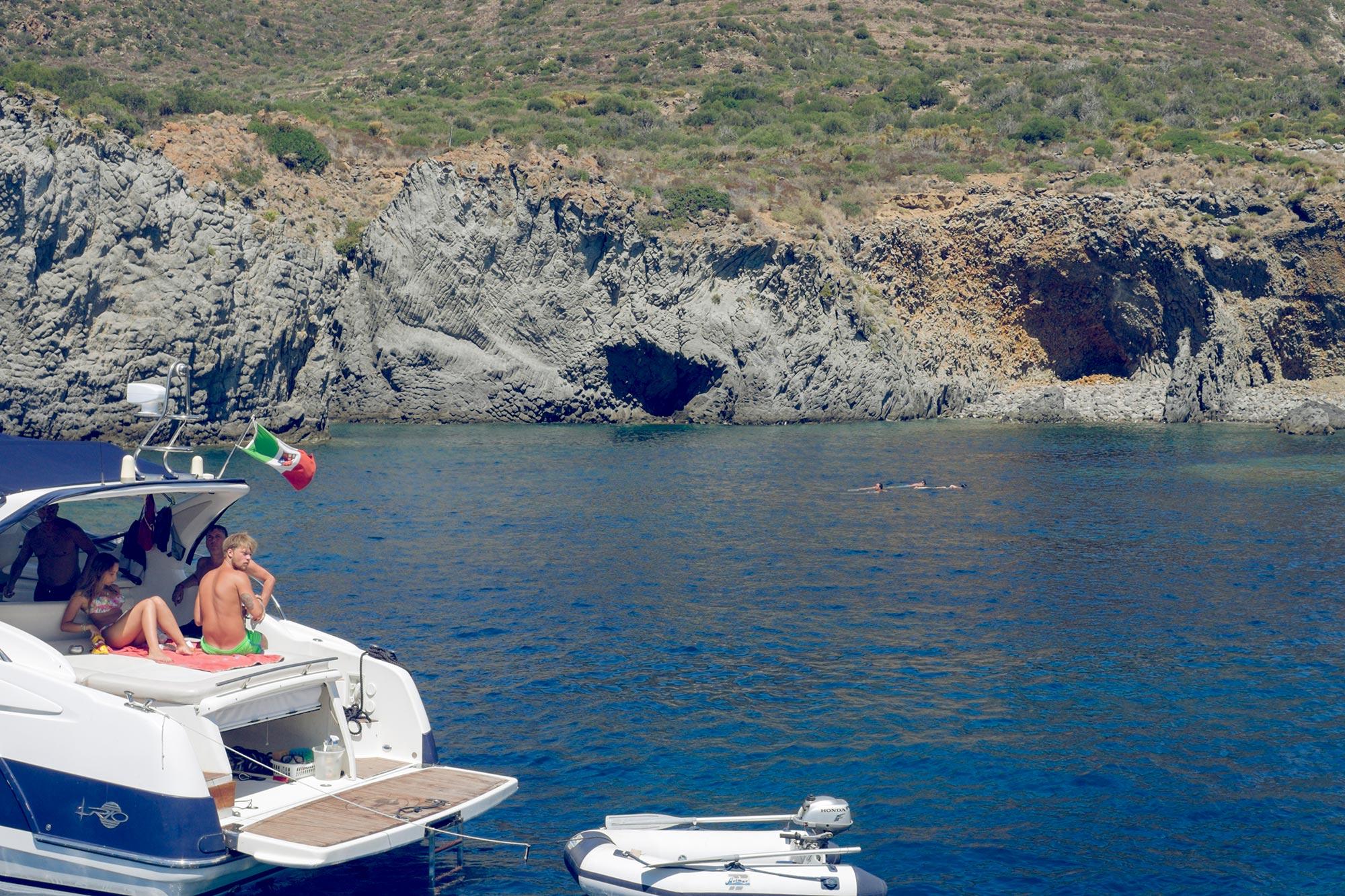 italy-sicilia-eolie-panarea-cala-junco2