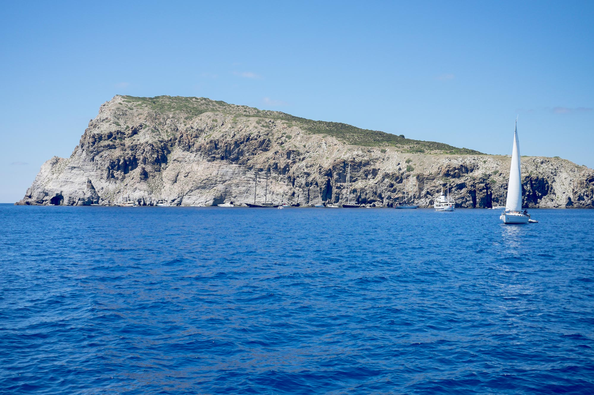 italy-sicilia-eolie-panarea-lisca-bianca