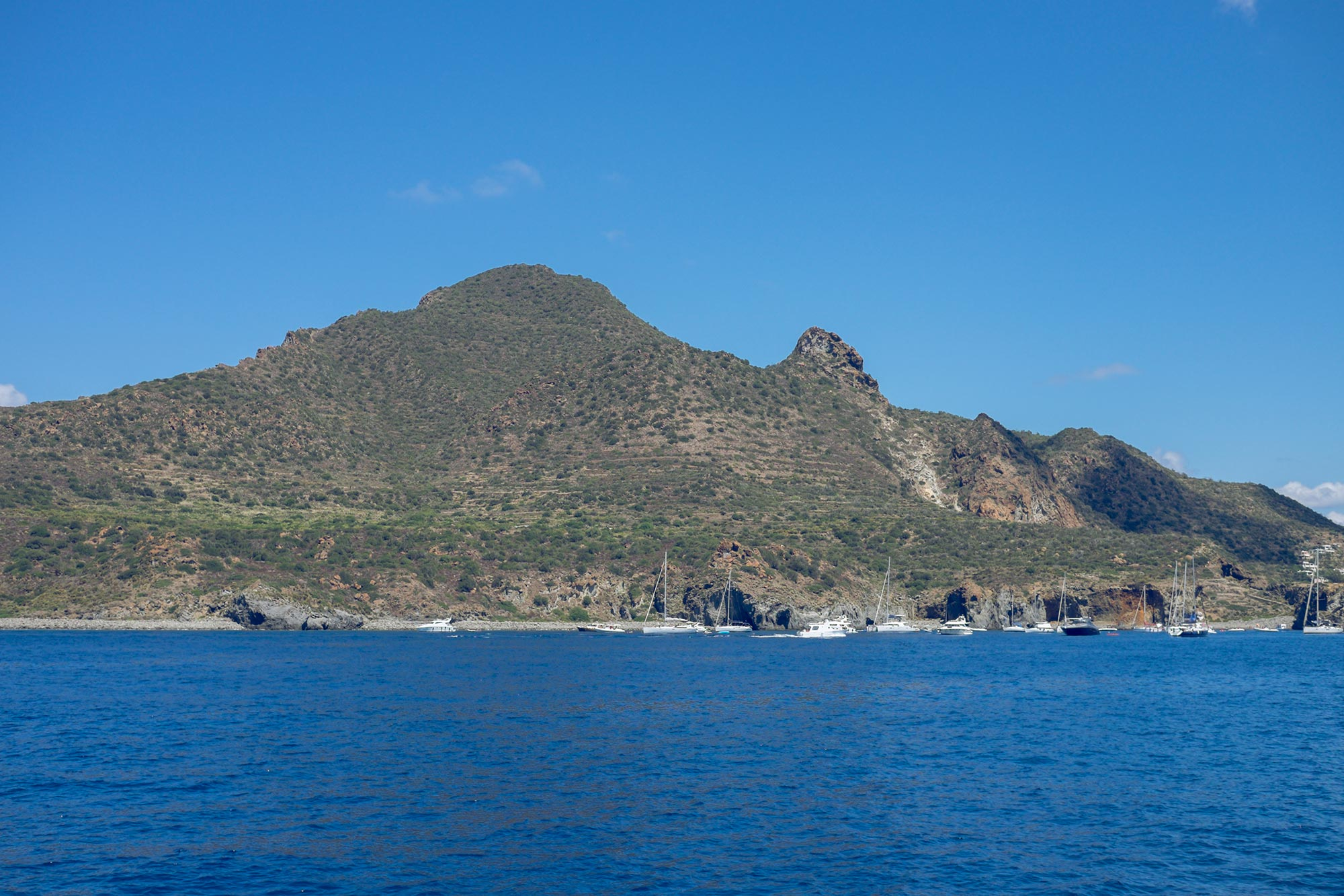 italy-sicilia-eolie-panarea-from-sea