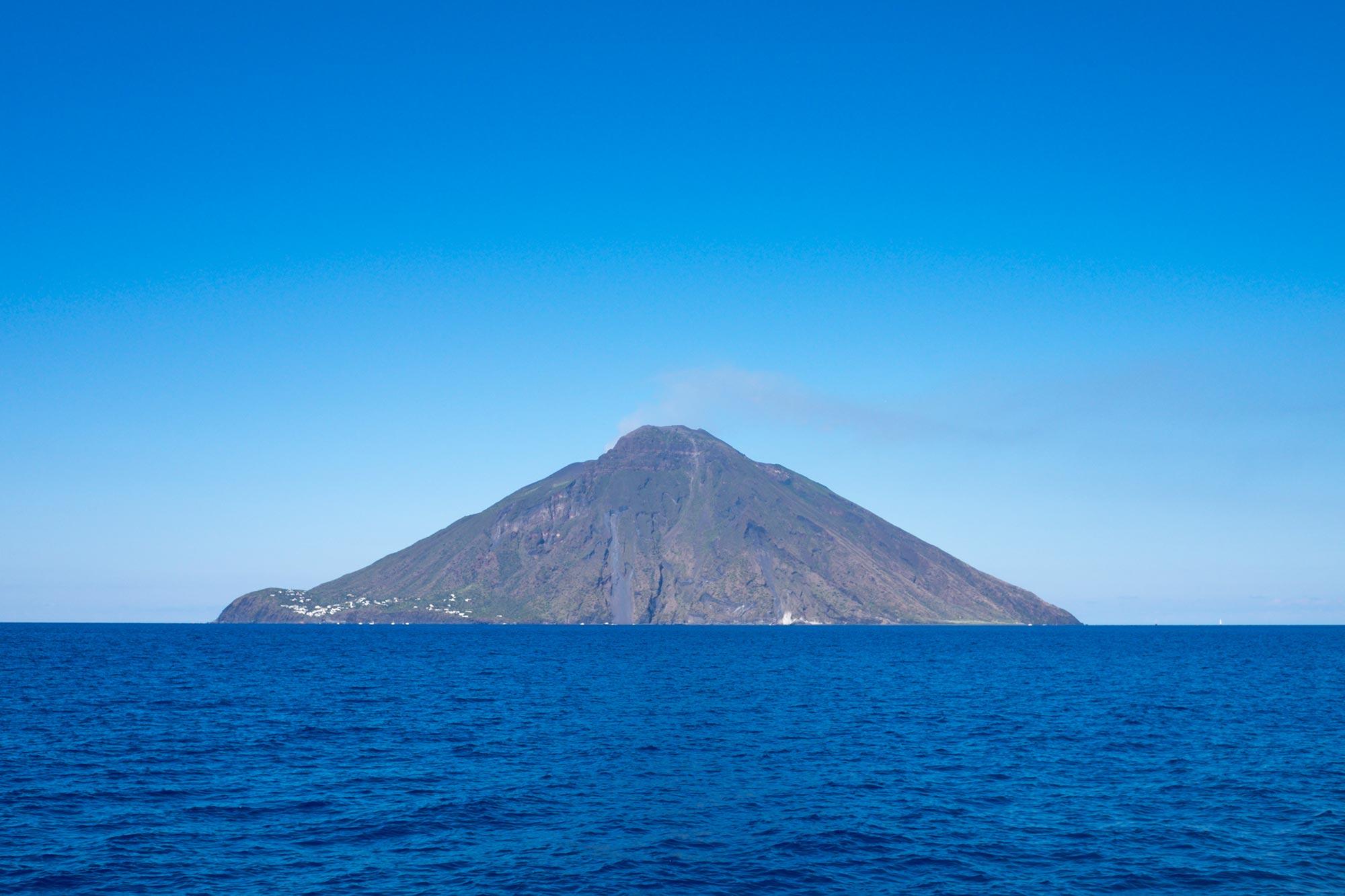 italy-sicilia-eolie-stromboli-sea3