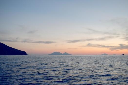 italy-sicilia-eolie-stromboli-sunset5