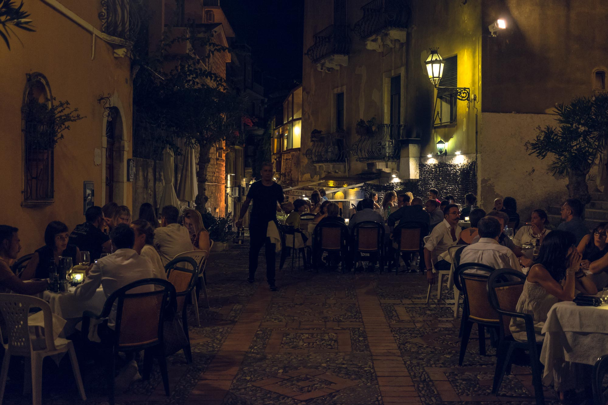 italy-sicilia-taormina-night3