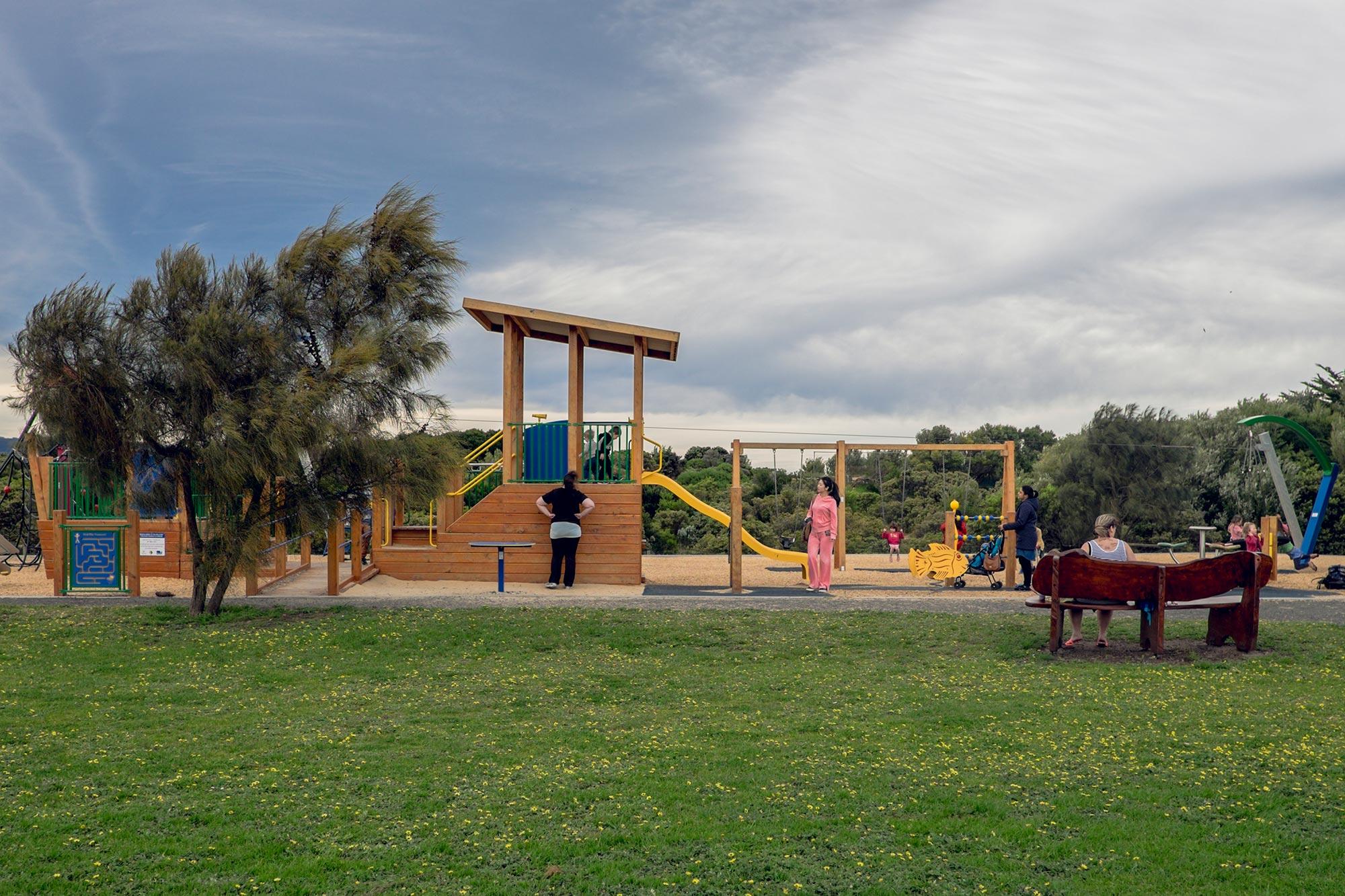 australia-melbourne-great-ocean-road-apollo-bay-playground