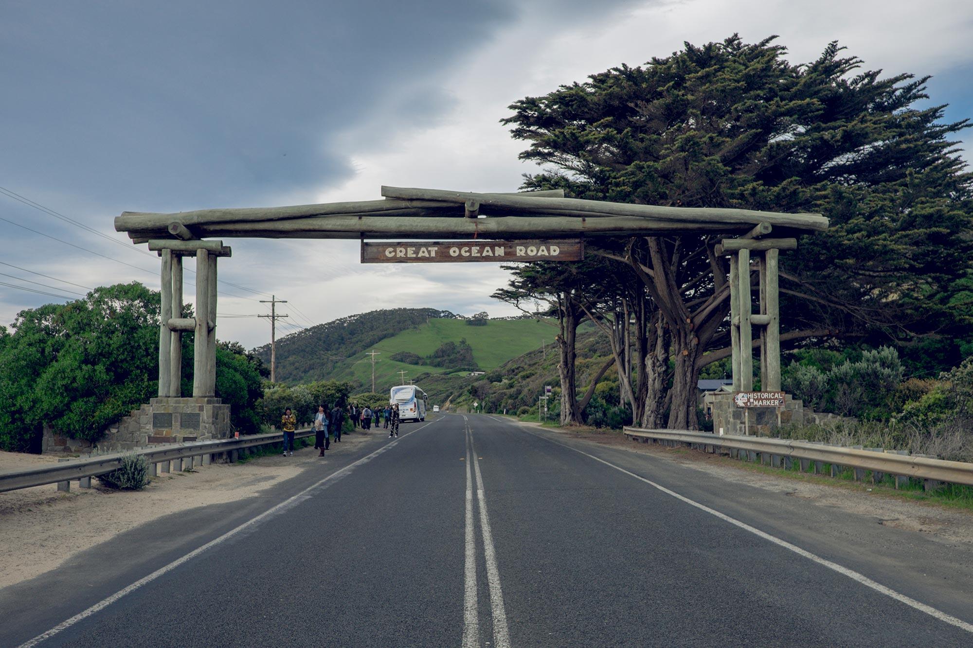 australia-melbourne-great-ocean-road-memorial-arch2