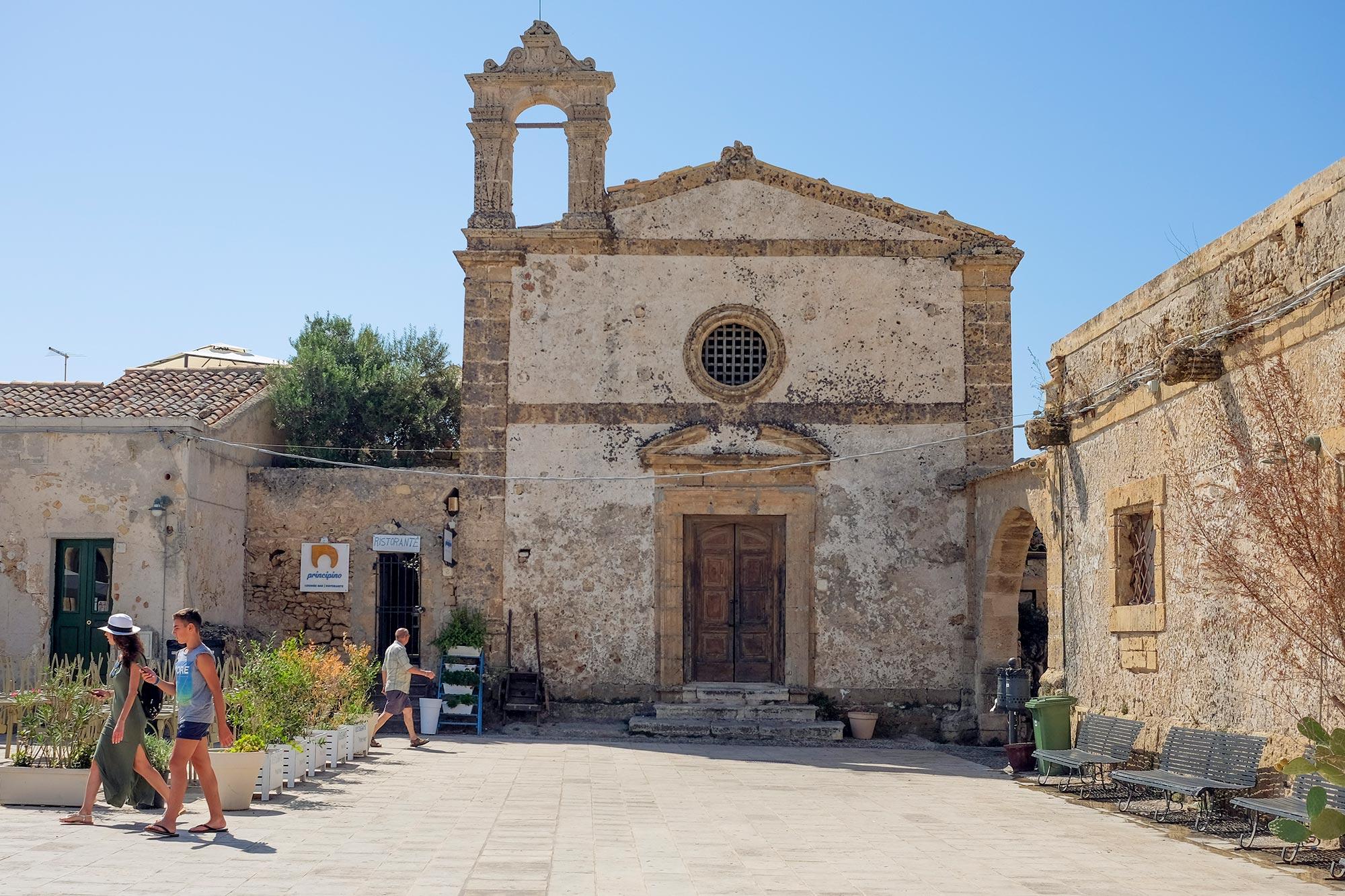 italy-sicilia-marzamemi-tonnara13