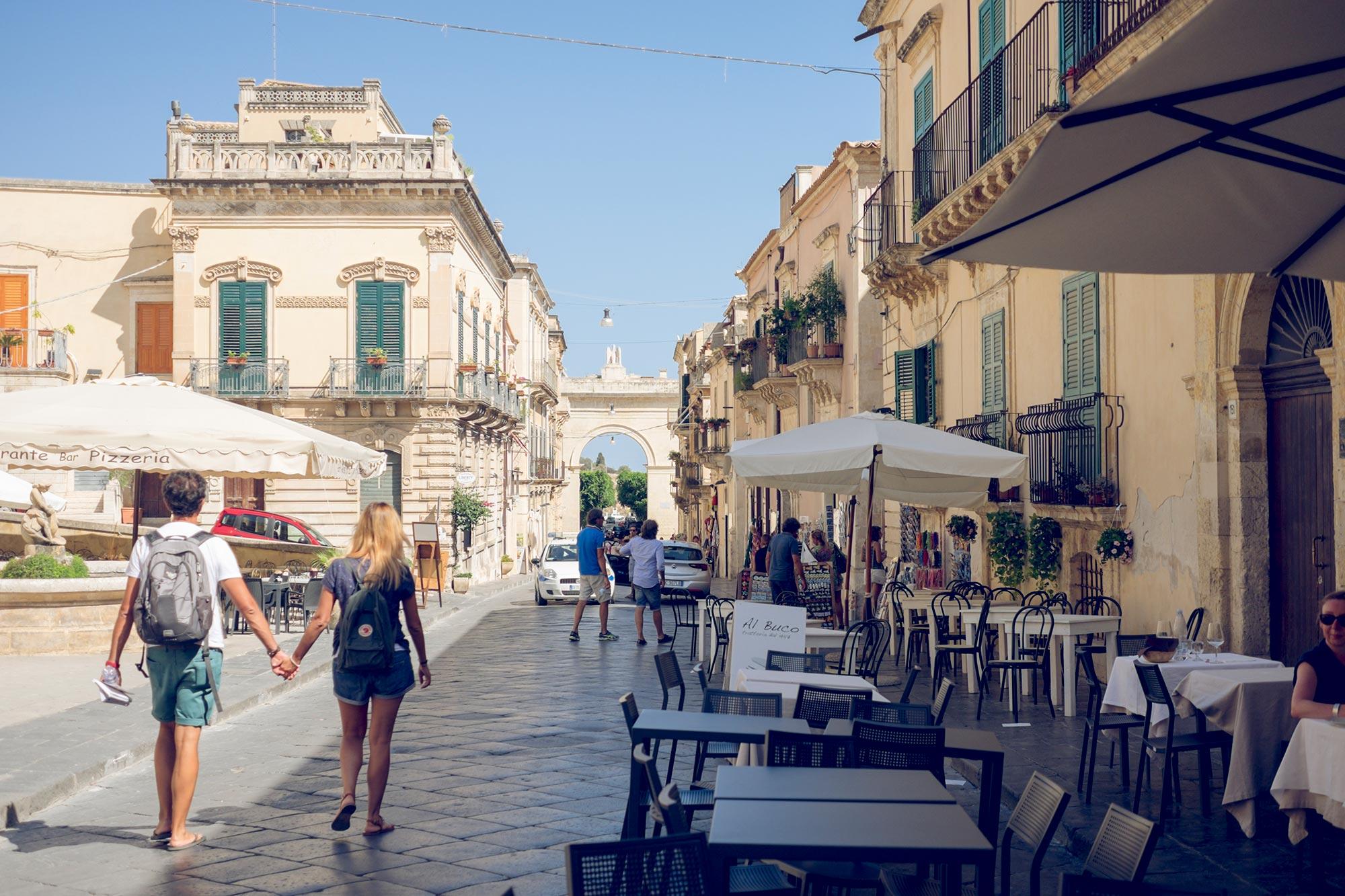 italy-sicilia-noto-chiesa-santa-chiara3
